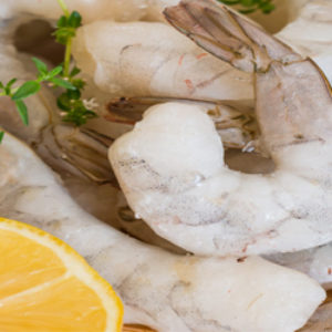 LARGE PEELED & DIVINED UNCOOKED SHRIMP